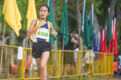 Hannah Tong (#6168) led a 1-2 finish for Methodist Girls' School (MGS) in the Girls' C Division cross country race with a time of 16:19.3, helping MGS to the team title. (Photo 1 © Iman Hashim/Red Sports)