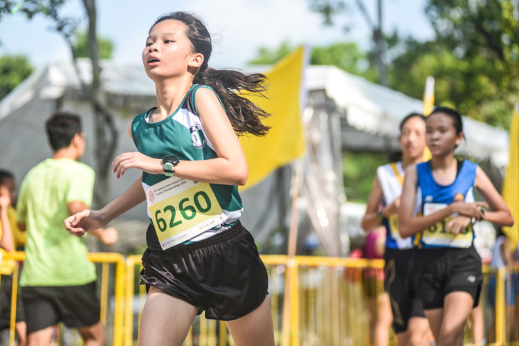 Jaime Yap (#6260) of RGS finished 10th in the Girls' C Division cross country race with a time of 17:25.7. (Photo 1 © Iman Hashim/Red Sports)