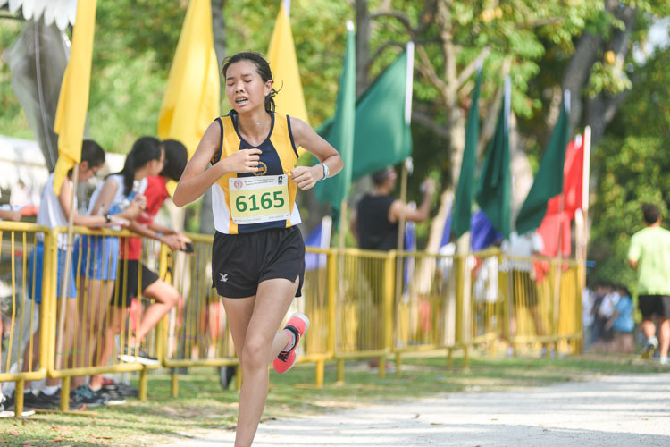 Natalie Lim (#6165) of MGS finished 16th in the Girls' C Division cross country race with a time of 17:38.6. (Photo 1 © Iman Hashim/Red Sports)