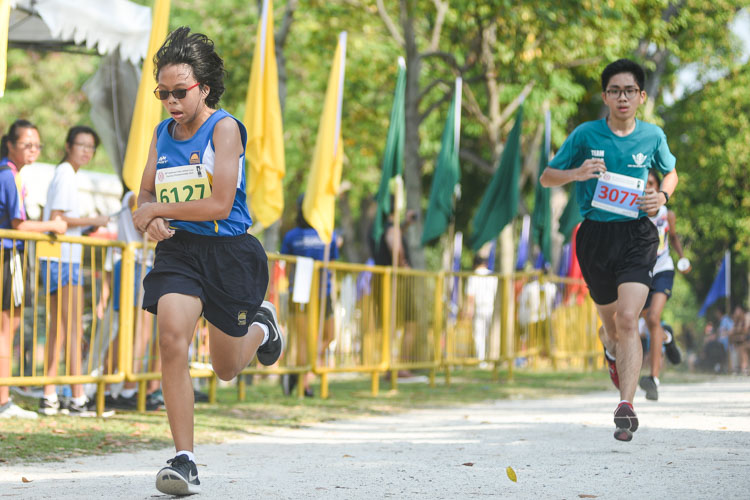 Guangyang Secondary's Venice Kwek (#6127) finished 23rd in the Girls' C Division cross country race with a time of 17:59.9. (Photo 1 © Iman Hashim/Red Sports)
