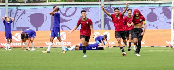 JVSS and SPS players react as the referee blows the final whistle. (Photo 1 © Clara Lau/REDintern)