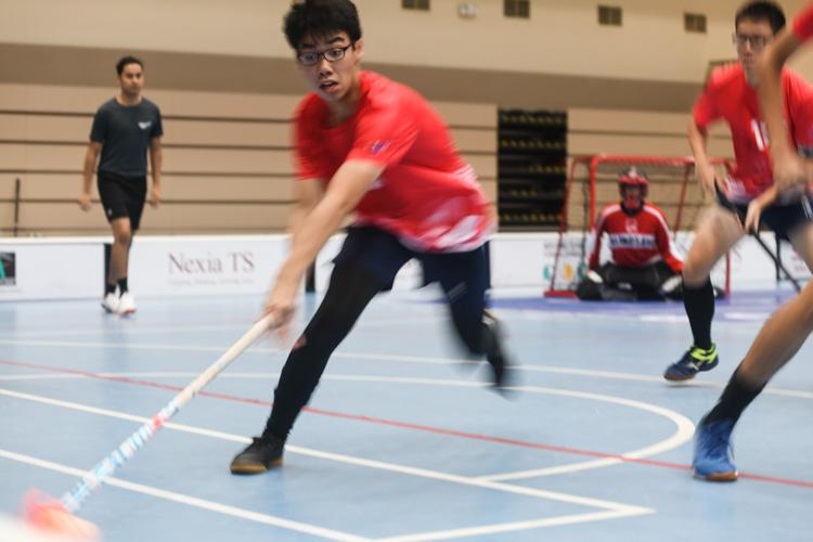 RV's Hamzah bin Azmi (#19) intercepting the ball during the match against EJC. (Photo 1 © Stefanus Ian/Red Sports)