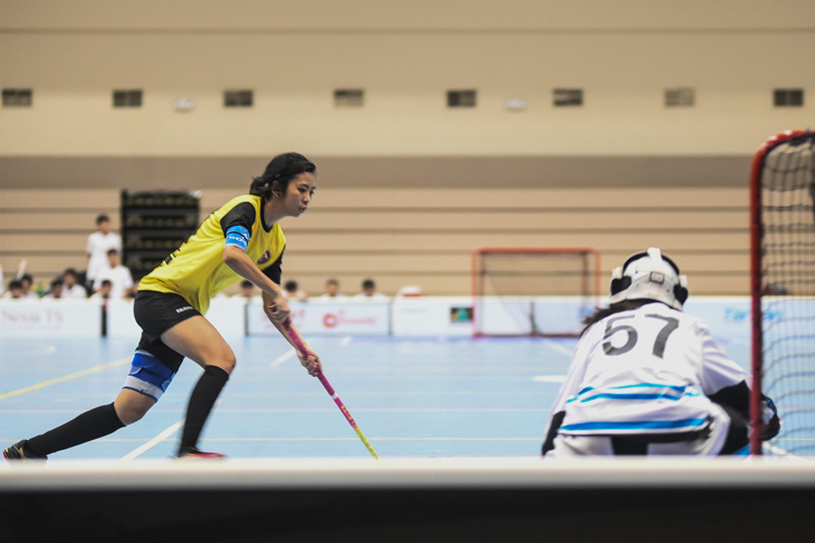 VJC captain Caluza Denise Jazmine Carnate (#23) takes her penalty and scores. (Photo 1 © Iman Hashim/Red Sports)