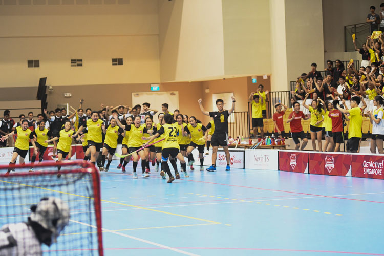 VJC celebrate their victory. (Photo 1 © Iman Hashim/Red Sports)