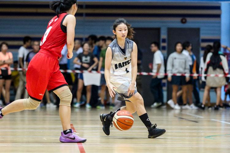 Aw Han Xi (RI #3) dribbles the ball forward. (Photo 32 © Clara Lau/REDintern)