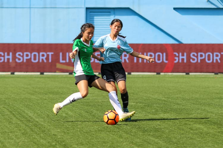 A first half goal by HCI was enough to help them claim a 1-0 win over RI and secure the National Schools A Division Girls' Football Championship bronze medal. (Photo 18 © Clara Lau/REDintern)