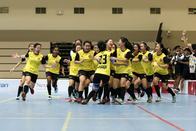 Jubilant VJC players celebrate winning the National A Division Floorball Finals. (Photo 21 © Clara Lau/REDintern)