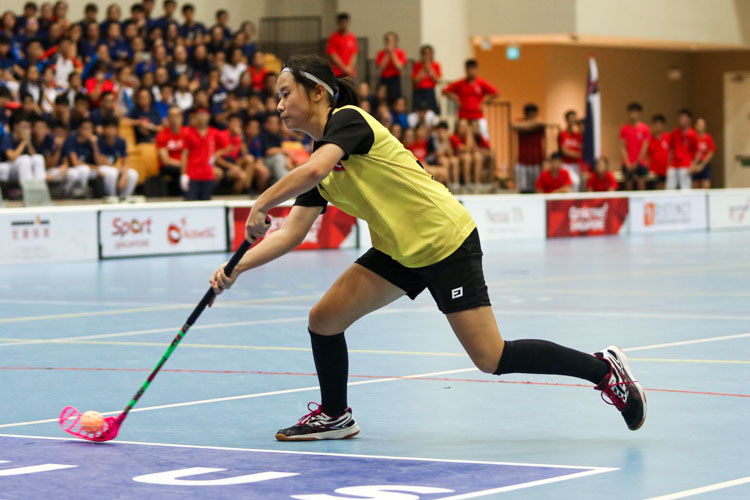 Mavis Ng Ker Hui (VJC #34) taking her penalty shot. (Photo 17 © Clara Lau/REDintern)