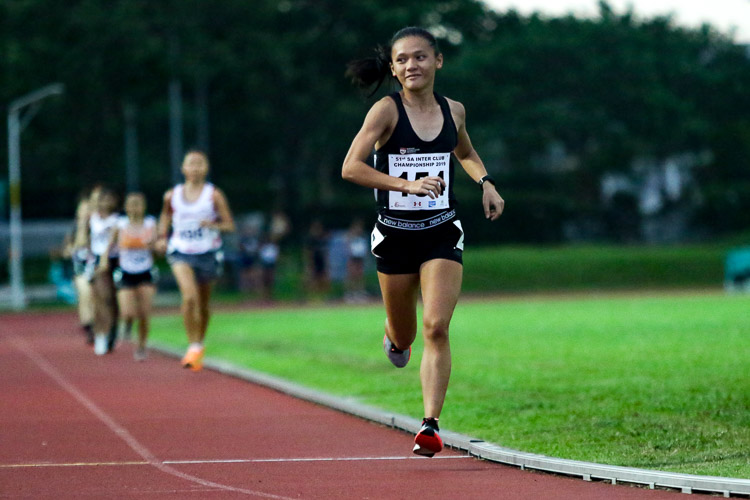 Nicole Low of NTU placed first for the Women's 10,000m with a time of 39:19.36. (Photo 52 © Clara Lau/Red Sports)