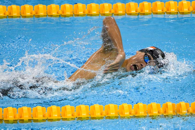 Glen Lim clinched silver in the Men's 400m Freestyle event with a time of 3:55.67 at the 15th SNSC 2019 competitions.