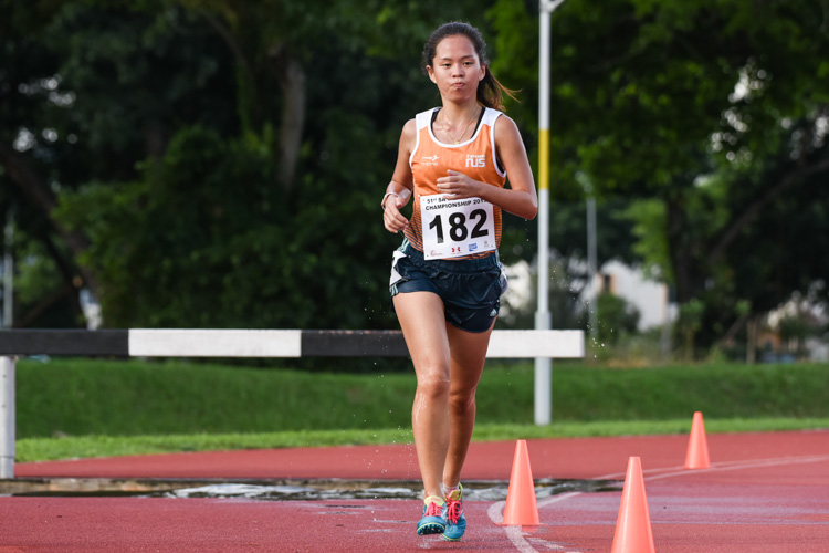 Sara Ang of NUS finished first in the Women's 3000m Steeplechase with a time of 15:12.71. (Photo 1 © Iman Hashim/Red Sports)
