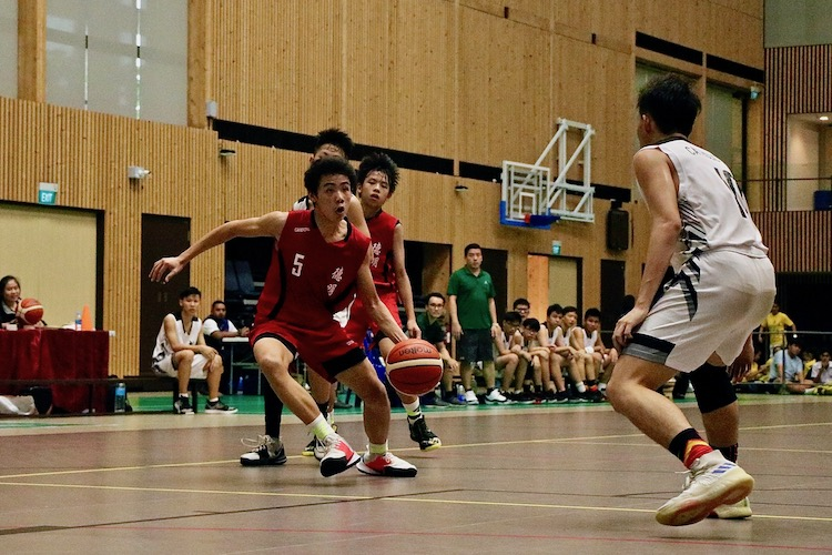 Dunman Secondary (DSS) emerged victorious witha score of 61-25 against Catholic High School (CHS) in the finals of the National C Division Basketball Championship.