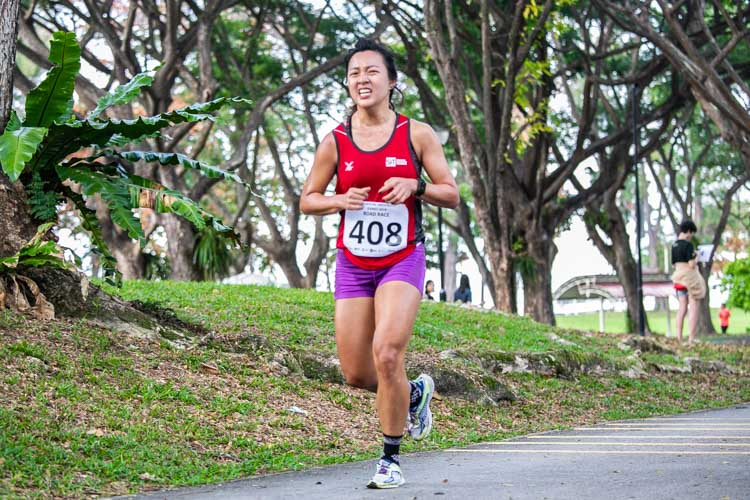 Sarah Tan (#408) of SIT finished ninth in the Women's race in 26:57. (Photo 1 © Iman Hashim/Red Sports)