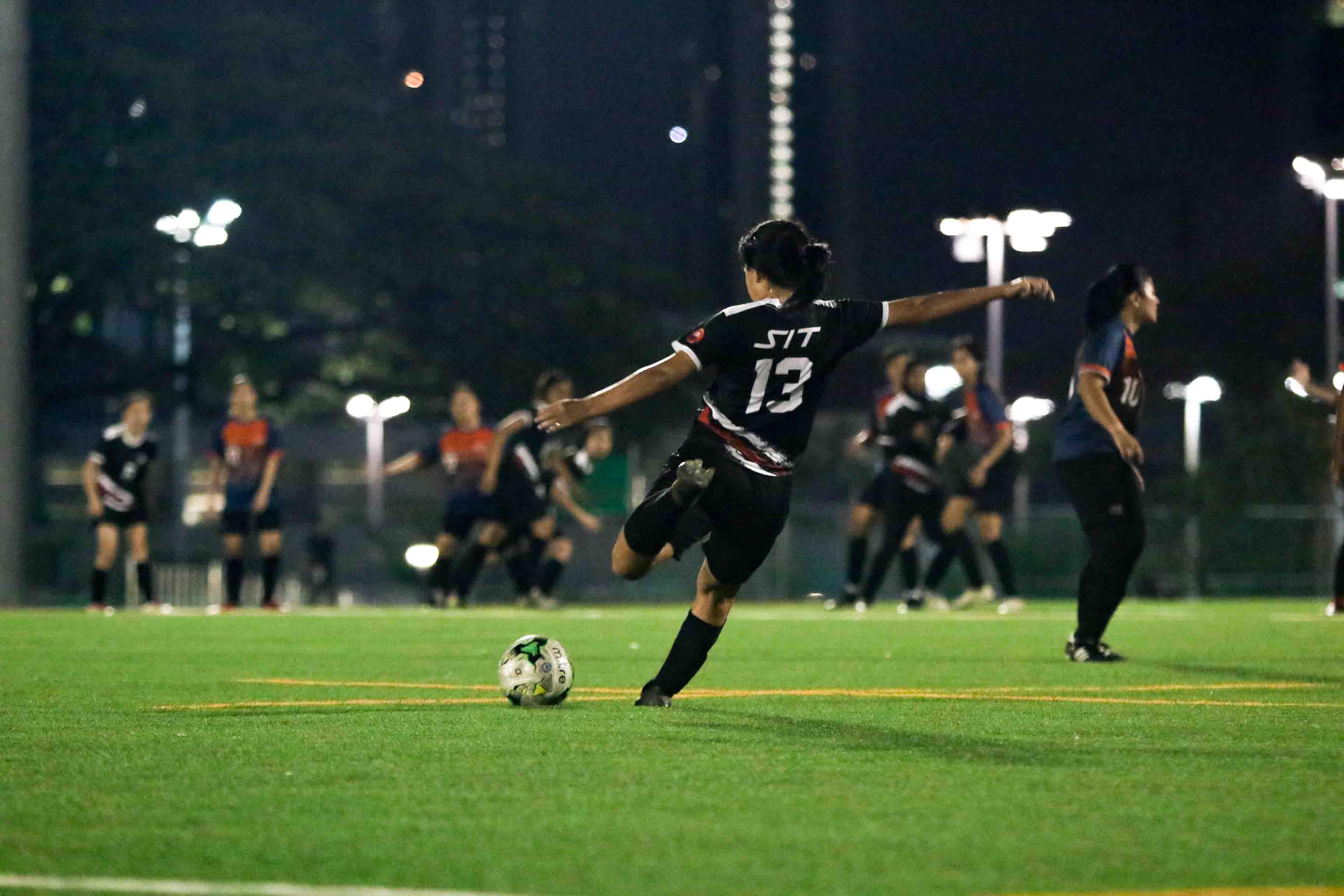 SUSS edge SIT 4-3 in Singapore University Games Women's Football Championship. (Photo 13 © Clara Lau/Red Sports)