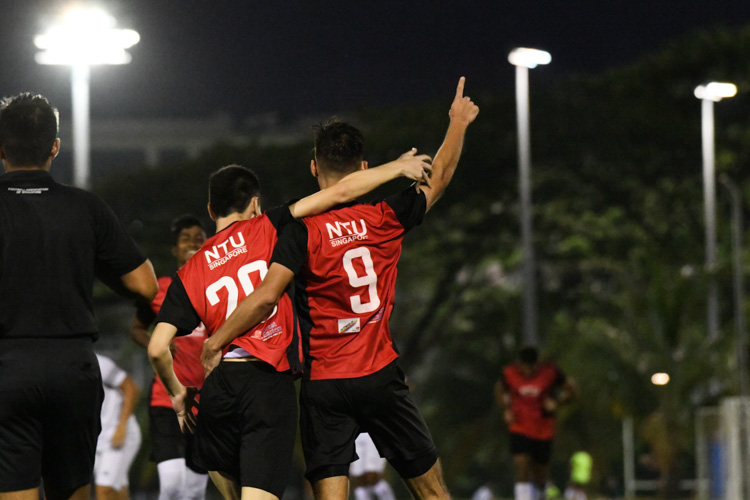 Niels Wallace Aplin (#9) celebrating with his teammates after scoring his team's first goal of the match. NTU put up an attacking exhibition to win 6-1 against SMU in their opening IVP Football competition. (Photo 1 © Stefanus Ian/Red Sports)