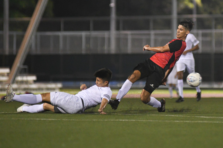 NTU put up an attacking exhibition to win 6-1 against SMU in their opening IVP Football competition. (Photo 1 © Stefanus Ian/Red Sports)