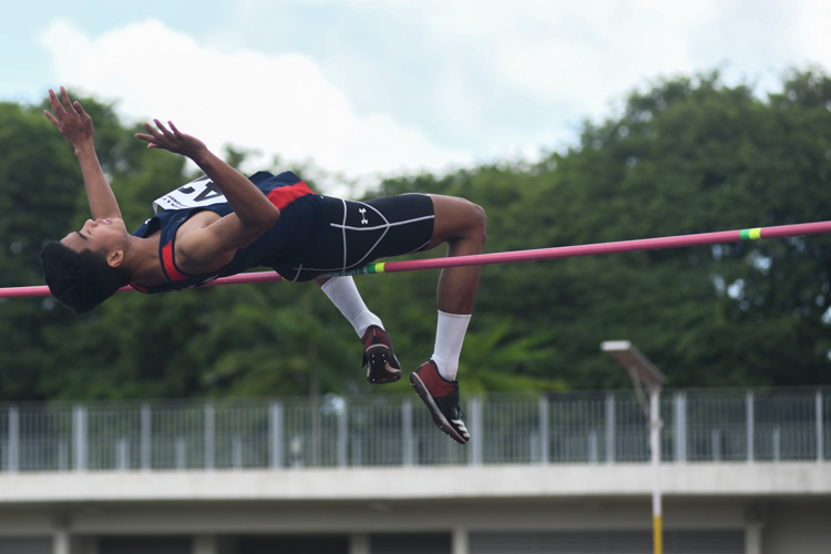 Hairul Syamil (#42, Nanyang Polytechnic) completed his hat-trick of IVP high jump title with a final jump of 1.96m.(Photo 1 © Stefanus Ian/Red Sports)