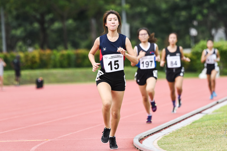 Chai En-Yer (#15) of Nanyang Polytechnic took the bronze in the Women's 1500m with a time of  5:47.59. (Photo 1 © Iman Hashim/Red Sports)