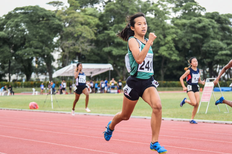 Zann Oh (#249) of RP took the bronze in the Women's 200m final with a time of 27.32s. (Photo 1 © Iman Hashim/Red Sports)