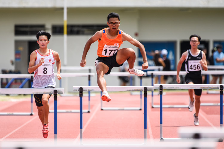 Ng Jun Wei (#177) of NUS finished fourth in the Men's 400m Hurdles timed finals with a time of 1:03.70. (Photo 1 © Iman Hashim/Red Sports)