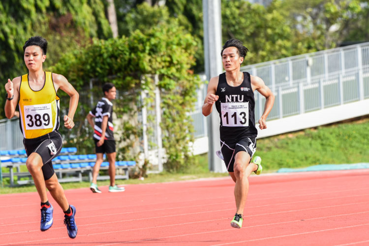 Calvin Quek (#113) of NTU claimed the Men's 400m gold medal after stopping the clock at 52.37s in the final. (Photo 1 © Iman Hashim/Red Sports)