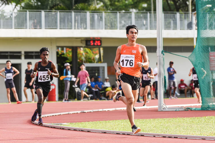 Selvanther S/O Sivakumar (#455) of Temasek Polytechnic earned silver in the Men's 5000m with a time of 16:53.96. (Photo 1 © Iman Hashim/Red Sports)
