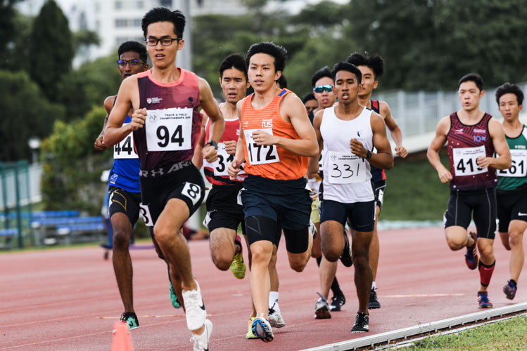 Competitors in the first Men's 800m timed final. (Photo 1 © Iman Hashim/Red Sports)