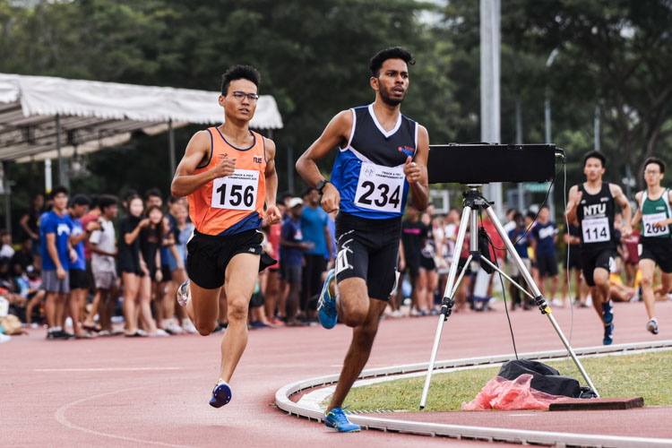 Hariharan Krishna (#234) of Ngee Ann Polytechnic set the pace for the first lap in the second Men's 800m timed final. He eventually finished second in the race and fourth overall with a time of 2:04.87. (Photo 1 © Iman Hashim/Red Sports)
