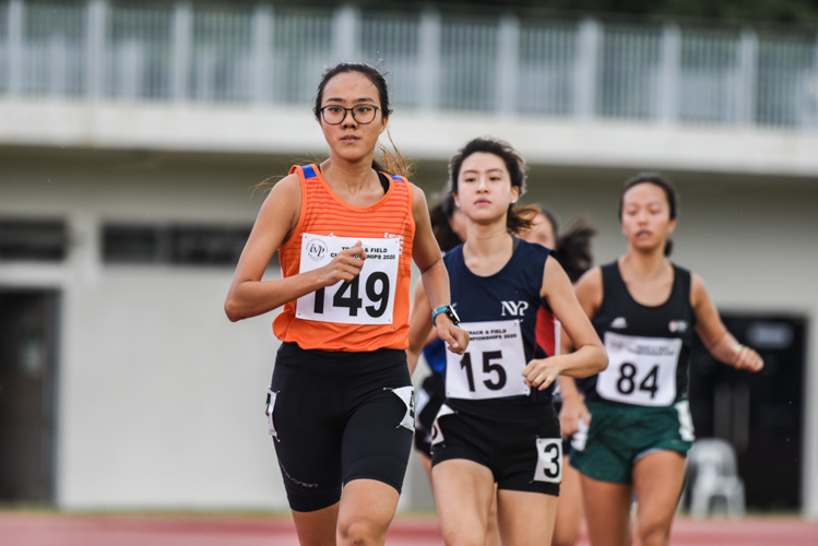 Joyceleen Yap (#149) of NUS came in third in the Women's 800m race in 2:35.35, while Chai En-Yer (#15) of NYP finished fourth in 2:40.71. (Photo 1 © Iman Hashim/Red Sports)