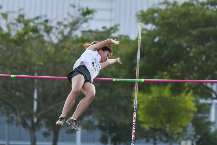 Joey Shi of NTU took the bronze in the women's pole vault with a clearance of 2.60m. (Photo 1 © Iman Hashim/Red Sports)