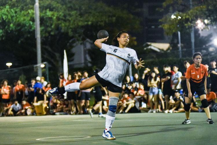 Lim Li Hua (TH #6) steps up for a penalty throw. (Photo 1 © Iman Hashim/Red Sports)