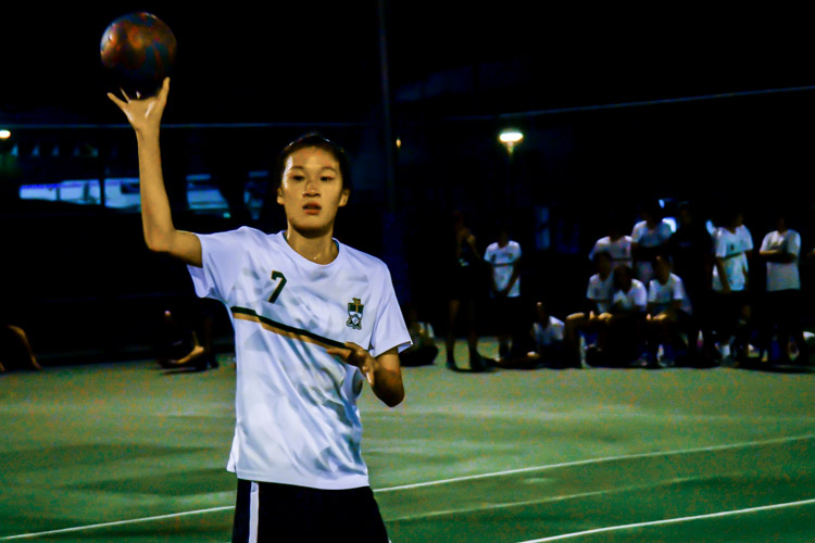 Arielle Chiang (#2) of Temasek Hall making a pass. (Photo 6 © REDintern Jodi Seah)